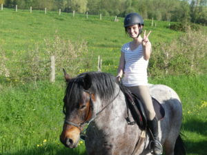 Cavaliere heureuse a cheval Touraine Cheval
